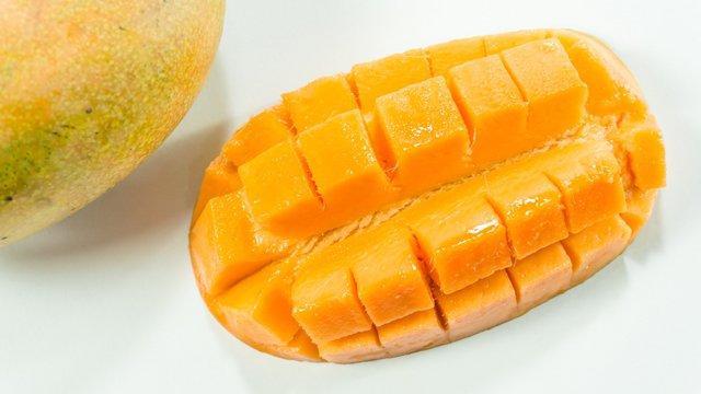 Így kell profin mangót enni
