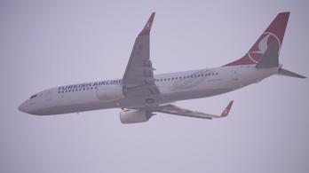 Meghalt egy utas, Budapesten kellett leszállnia egy repülőnek