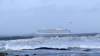 Frissítés: kikötött a bajbajutott norvég hajó