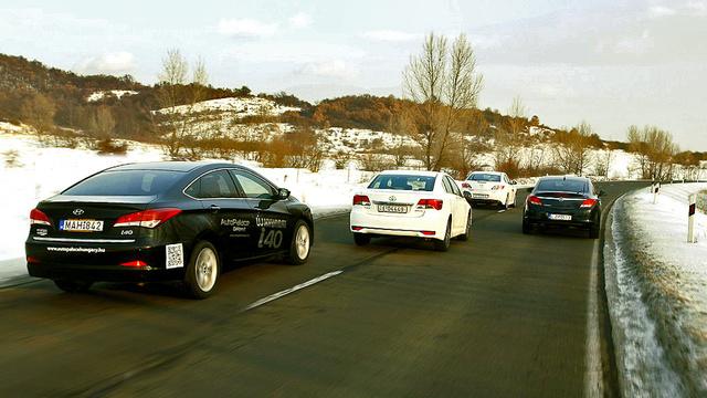 Mindet lenyomná az Avensis