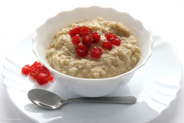 stockfresh 1464590 porridge-with-dried-cherries sizeM