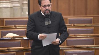 A Fidesz nem védi mindenáron Pócs János bizarr videóját