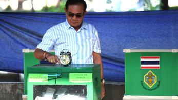 A katonaság jelöltje maradhat Thaiföld vezetője