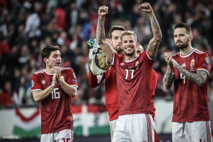 Ünneplő játékosok a Magyarország-Horvátország Európa-bajnoki selejtező után, a Groupama Arénában 2019. március 24-én