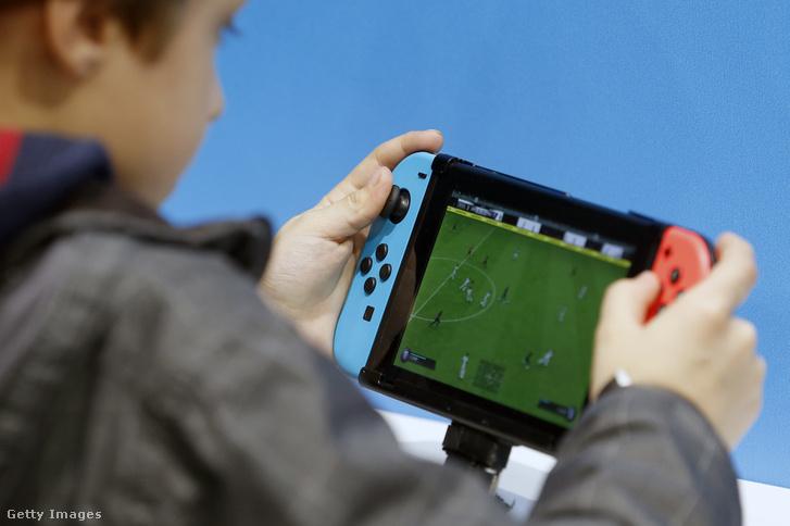 Nintendo Switch konzol a párizsi Games Week-en 2018. október 26-án