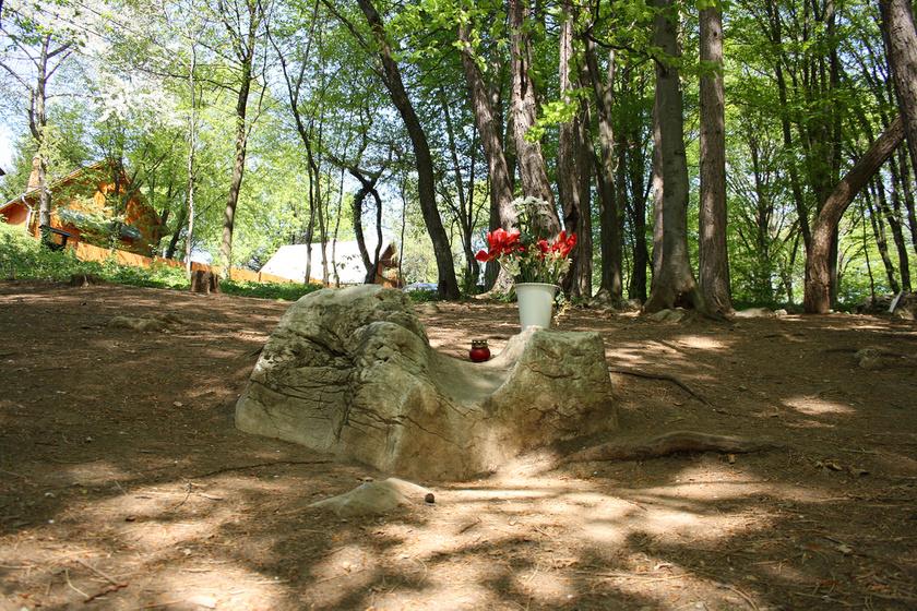 A Boldogasszony-kő.