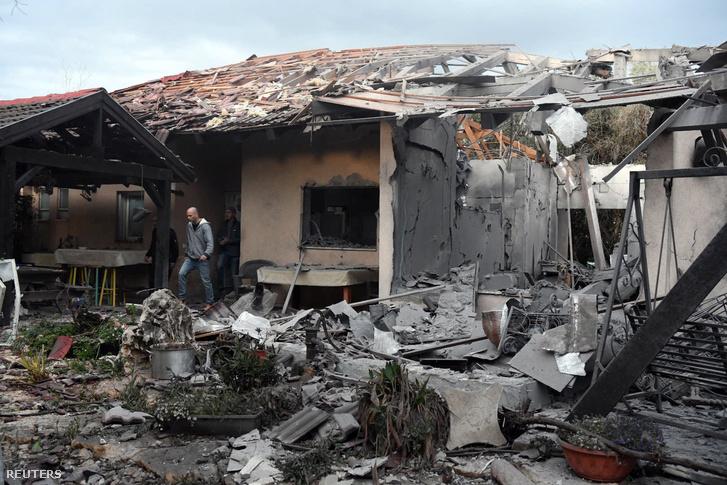 Ház romjai, amibe rakéta csapódott Tel Aviv északi részén 2019. március 25-én