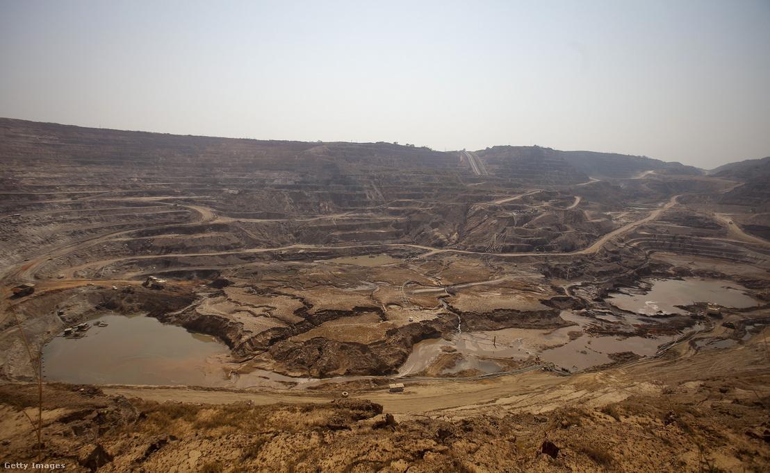 Réz- és kobaltbánya Kongó területén 2012. augusztus 1-jén.