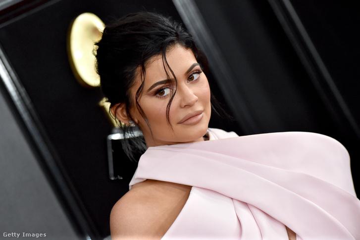 Kylie Jenner a 61. Grammy-díjátadón, Los Angelesben 2019. február 10-én