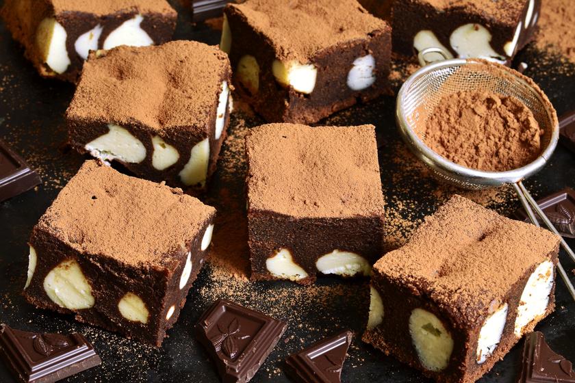 Csábító, ricottás brownie: így még finomabb a csupa csokis süti