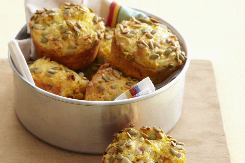 Omlós, sajtos-hagymás, sós muffin: ha gyorsan sütnél valami finomat
