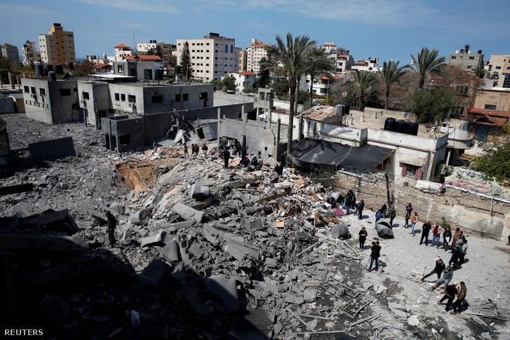 Izraeliek által lerombolt Hamász épület Gáza városában 2019. március 26-án.