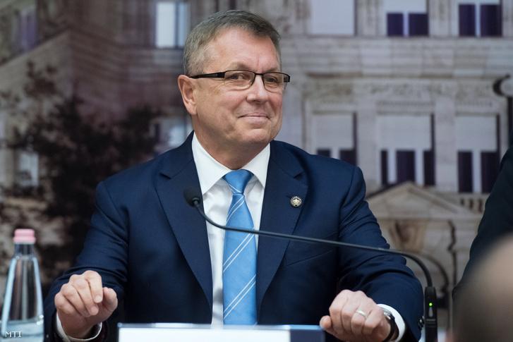 Matolcsy György az MNB keddi sajtótájékoztatóján
