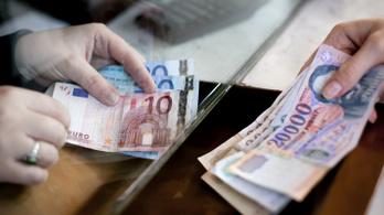 Mélyponton a forint, 330 forint egy euró