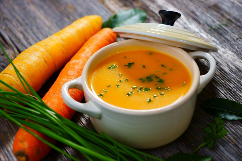 A sárgarépa nagyszerű, A-vitaminban és ásványi anyagokban gazdag, gyomorkímélő alapanyag, melyből isteni finom krémleves is készíthető. Gyomorbaj esetén a hagymával bánj csínján!