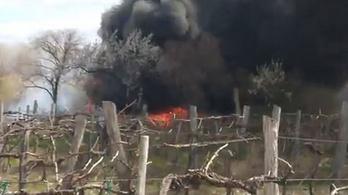 Kiégett egy busz Lovason