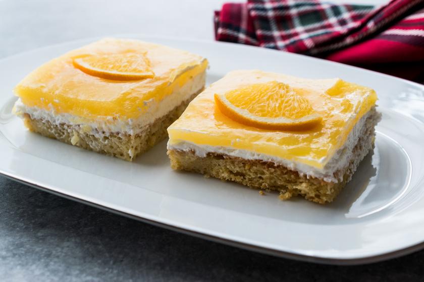 Diós kevert süti mascarponéval és naranccsal: a teteje selymesen krémes
