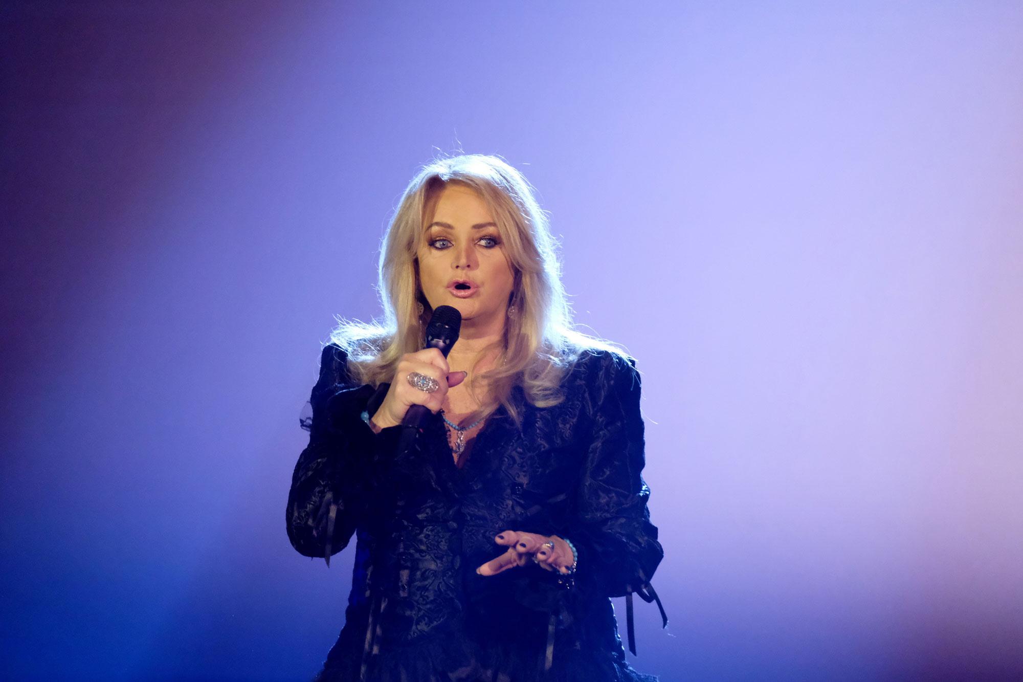 Bonnie Tyler a 2019 márciusában megrendezett lipcsei zenei fesztiválon - az Alle singen Kaiser - Das große Schlagerfesten - élő műsorral szórakoztatta a közönséget.