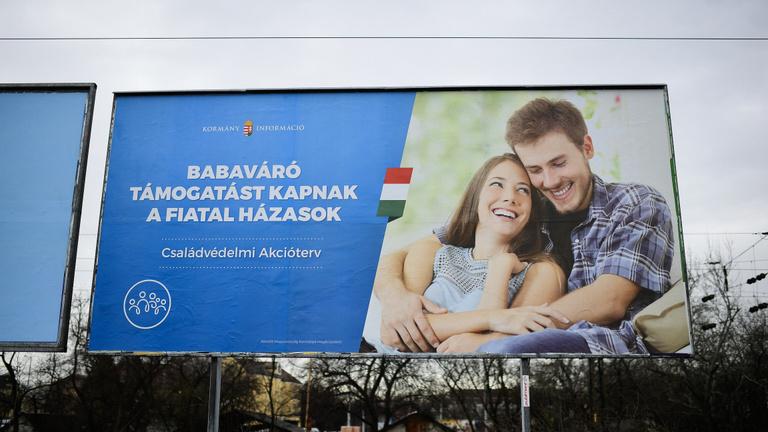 A gazdag és a cigány családokat kevésbé támogatnák a magyarok