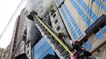 Tűz ütött ki egy dakkai toronyházban, legalább hatan meghaltak