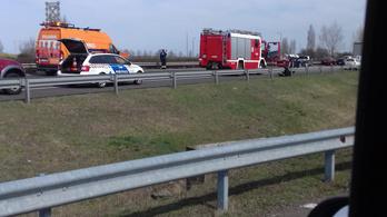 Több baleset történt az M3-ason