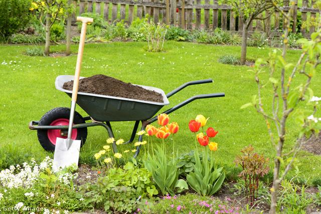 A komposztálás az egyik leghasznosabb kerti munka