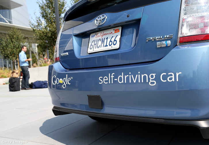 A google önvezető autója Kaliforniában 2012-ben.