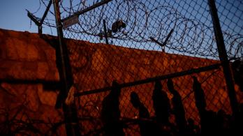 Trump a mexikói határ teljes lezárásával fenyeget