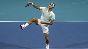 Federer: A döntőben én leszek a focikapus