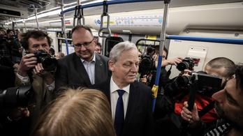 Átadták a hármas metró felújított szakaszát