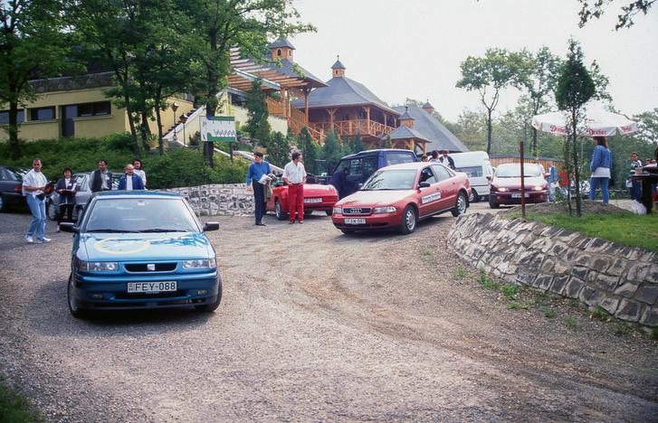 A normál autókba nem ült újságíró, a Z3-ba és az SLK-ba viszont mi igen, Tóth Milánnal