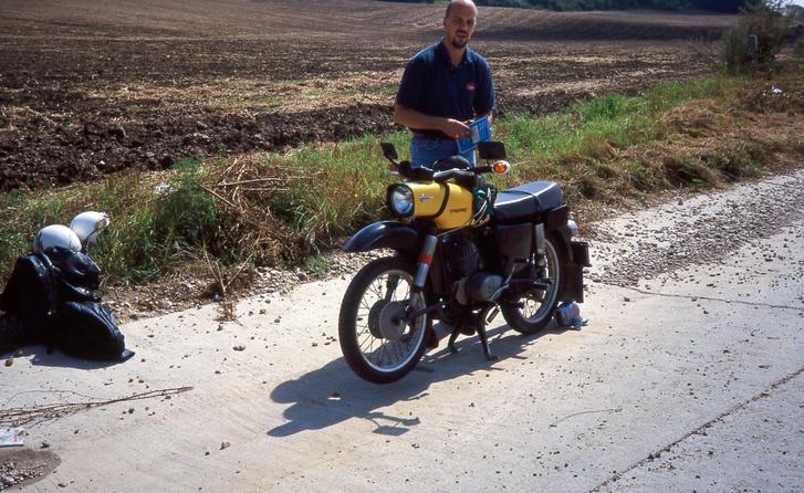 Kati első motorja, egyben első közös nagymotorunk, az MZ ES125, amit én is sokat használtam