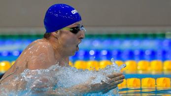 Elfogadhatatlan, hogy gyengébb úszó jobbat szorítson ki