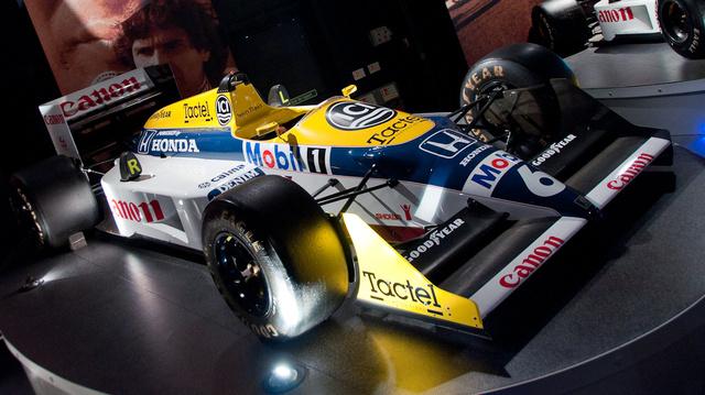 Az FW11 1987-ben megnyerte a világbajnokságot.