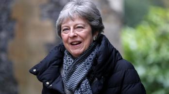 Előrehozott választásokat akarhat Theresa May, ha negyedszer is koppan
