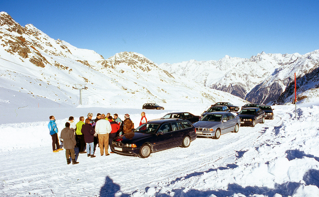 Téli Fahrer-Training Ötztalban. Jártam vagy hat ilyenen, mindegyik után egy nagyságrenddel jobban vezettem