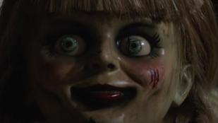 A világ legrémisztőbb babája megint a frászt hozza az emberekre