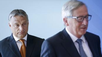 Orbán Junckernek: Aki Marx-szobrot koszorúz, az idegengyűlöletből ne oktasson senkit