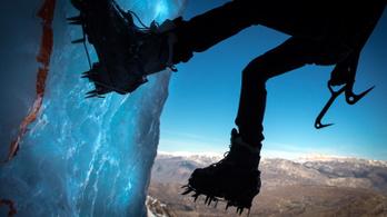 Túlóráztam, mert jégfalat másztam az irodában