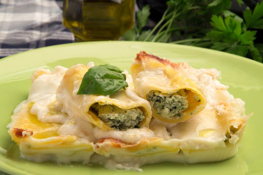 Sajtos-spenótos tésztatekercs egyszerűen: így készítik az olaszok a cannellonit