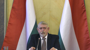 Kásler azonnali hatállyal, indoklás nélkül menesztette a veszprémi kórház főigazgatóját