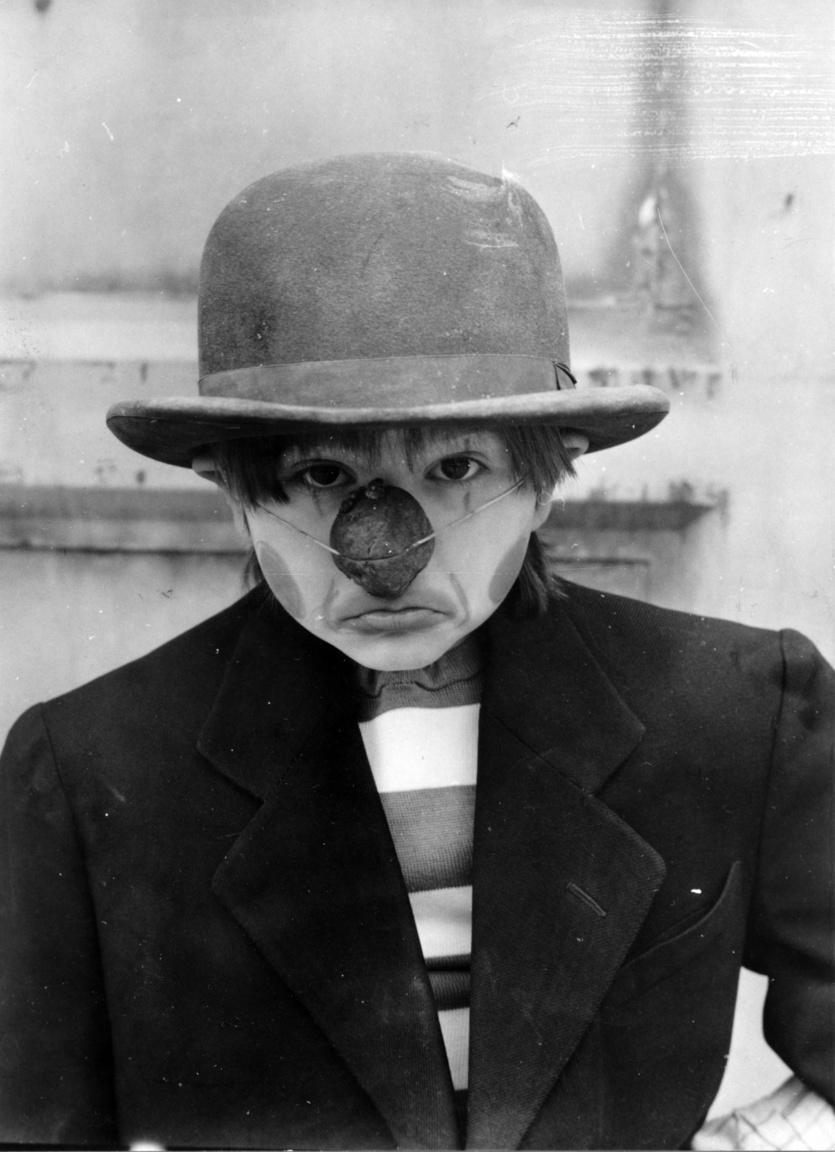 """""""Rozmaring, a bohóc – világszám!"""" – mondta a sorozatban Kovács Krisztián, aki nélkül nemigen készült gyerekfilm a hetvenes évek Magyarországán. Vele forgott többek között a Hahó, Öcsi!, a Hahó, a tenger!, a Barátom, Bonca, valamint Latinovits Zoltánnal is játszott az Operettszínház A kutya, akit Bozzi úrnak hívtak című előadásában."""
