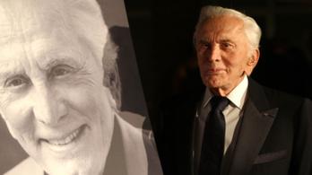 Nem Oscar-díjas fiára hagyta vagyonát Kirk Douglas