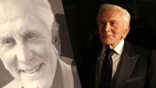 Nem Oscar-díjas fiára hagyja vagyonát Kirk Douglas