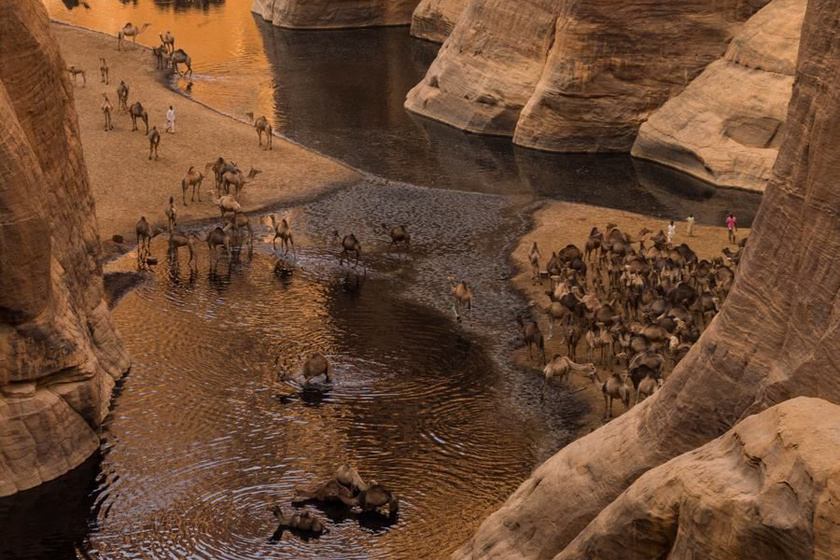 Káprázatos fotók a sivatag fekete vizéről - A Szahara rejtett természeti csodája