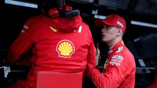 Schumacher a határokat kereste első F1-tesztjén