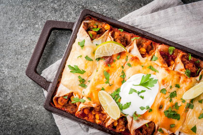 Sütőben sült, marhahúsos burrito: szaftos, sajtos, és nagyon finom