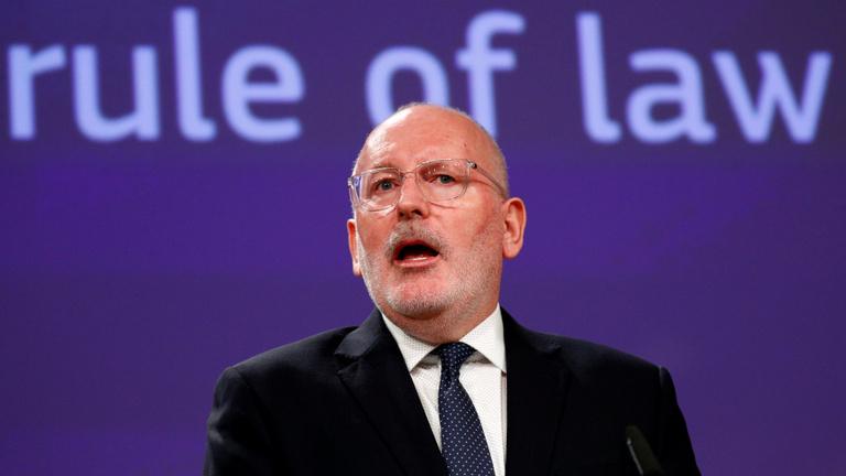 Brüsszel felvonultatta a joguralmi arzenálját