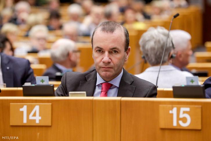 Manfred Weber, az Európai Néppárt európai parlamenti frakcióvezetője és csúcsjelöltje az európai parlamenti választásokon az Európai Parlament büsszeli plenáris ülésén 2019. április 3-án