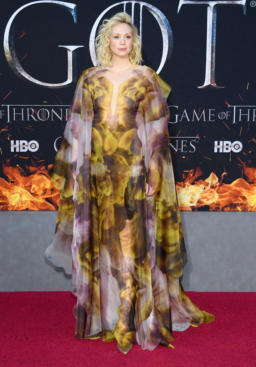Alig ismertünk rá a Tarth-i Brienne-t alakító Gwendolin Christie-re - olyan gyönyörű, mint egy istennő.